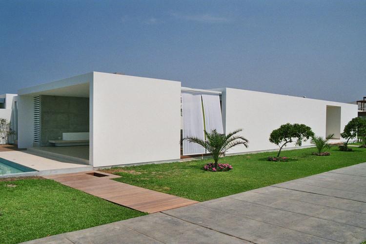 Casa Playa El Golf A19 / rrmr arquitectos, © Elsa Ramirez