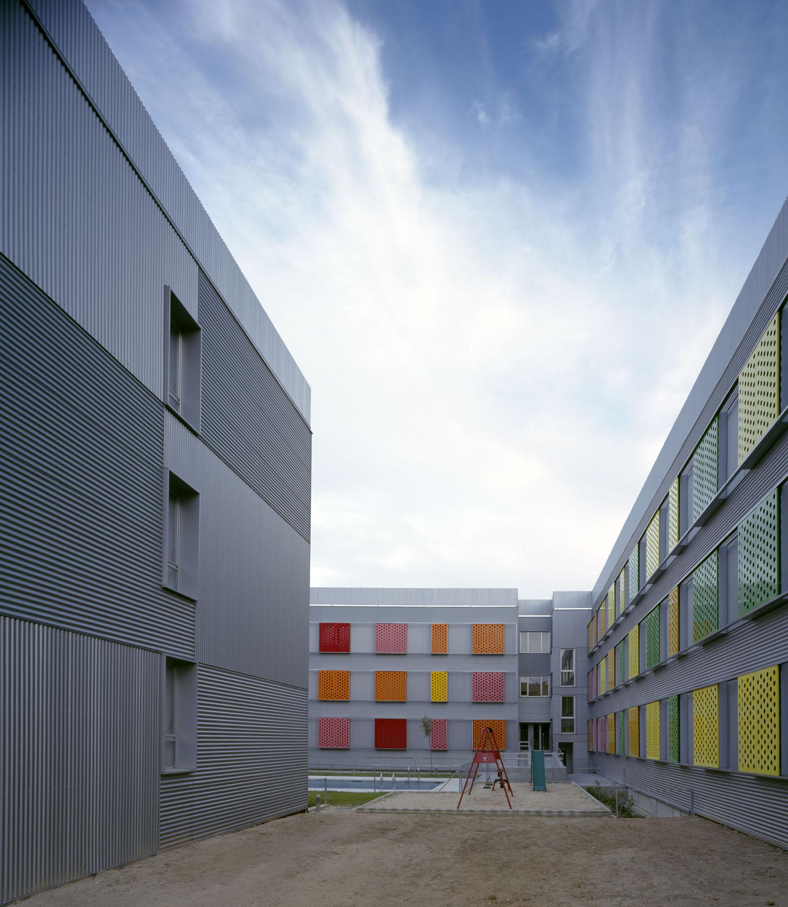 255 Dwellings in Villanueva de la Cañada / Aranguren & Gallegos Arquitectos