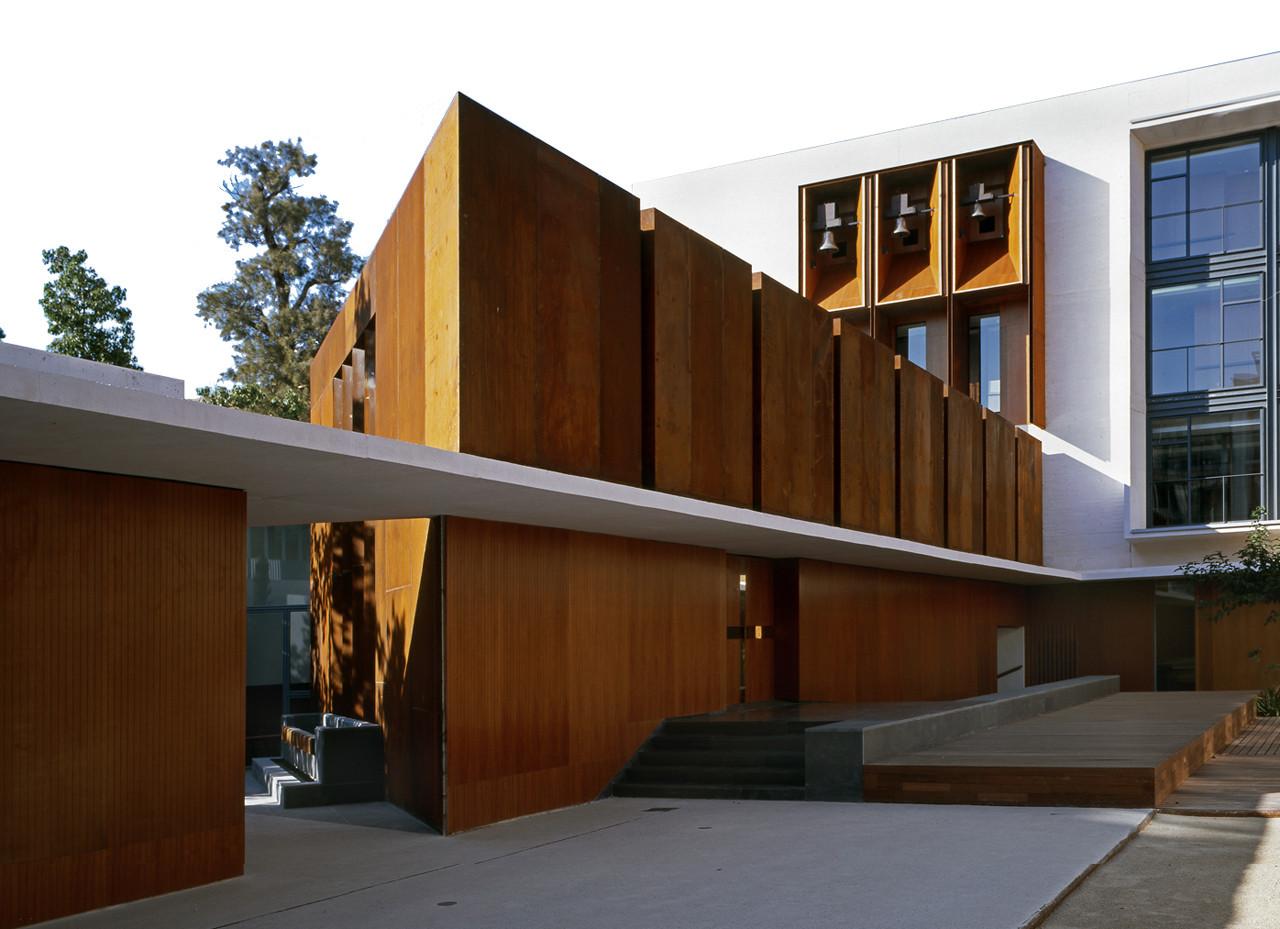 Residencia Tercera Edad y Capilla San José / Peñín Arquitectos, © Diego Opazo