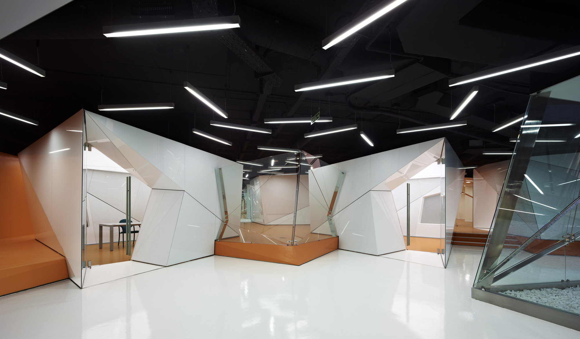 New ctti headquarters for generalitat de catalunya marc for Research interior decoration and design influences