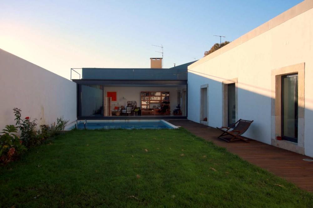 Casa de las Cajas / Luís Santiago Baptista, Tiago Leite de Araújo