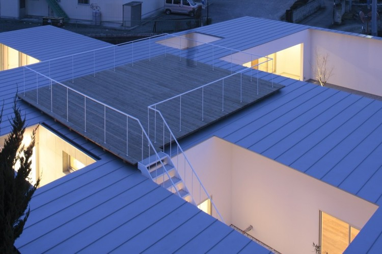Casa de Siete Patios / Ikimono Architects, Cortesía de Takashi Fujino / Ikimono Architects