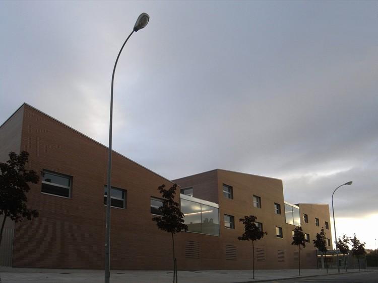 Colegio Público de Educación Infantil y Primaria Catalina de Foix / Taller Básico de Arquitectura, © Xabier Ilundain Madurga, Taller Básico de Arquitectura