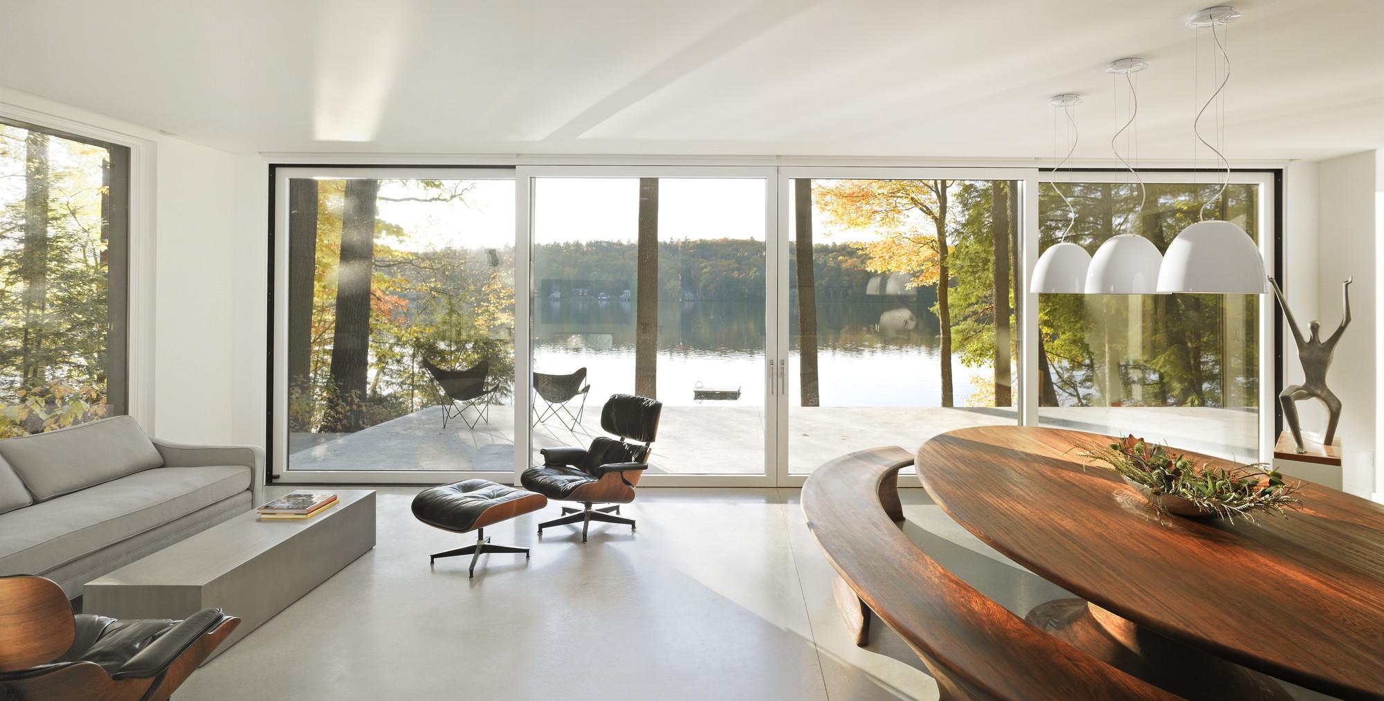 Cantilever lake house birdseye design