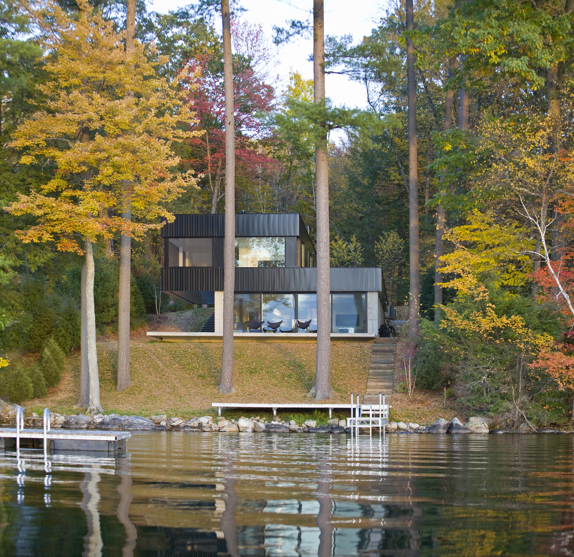 Gallery of Cantilever Lake House Birdseye Design 10