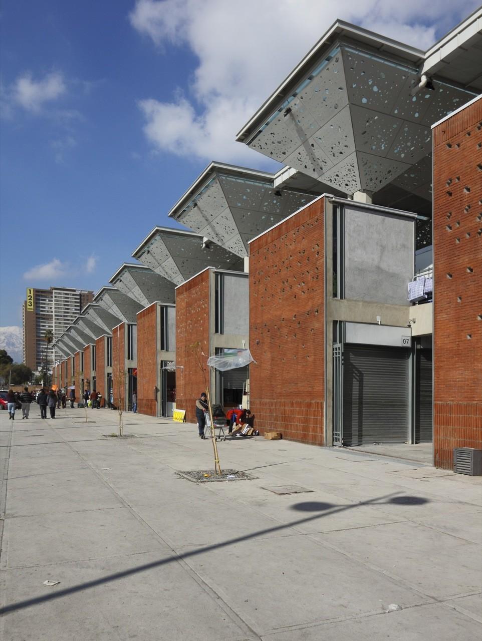Mercado Tirso De Molina Iglesis Prat Arquitectos Archdaily  # Muebles Tirso De Molina