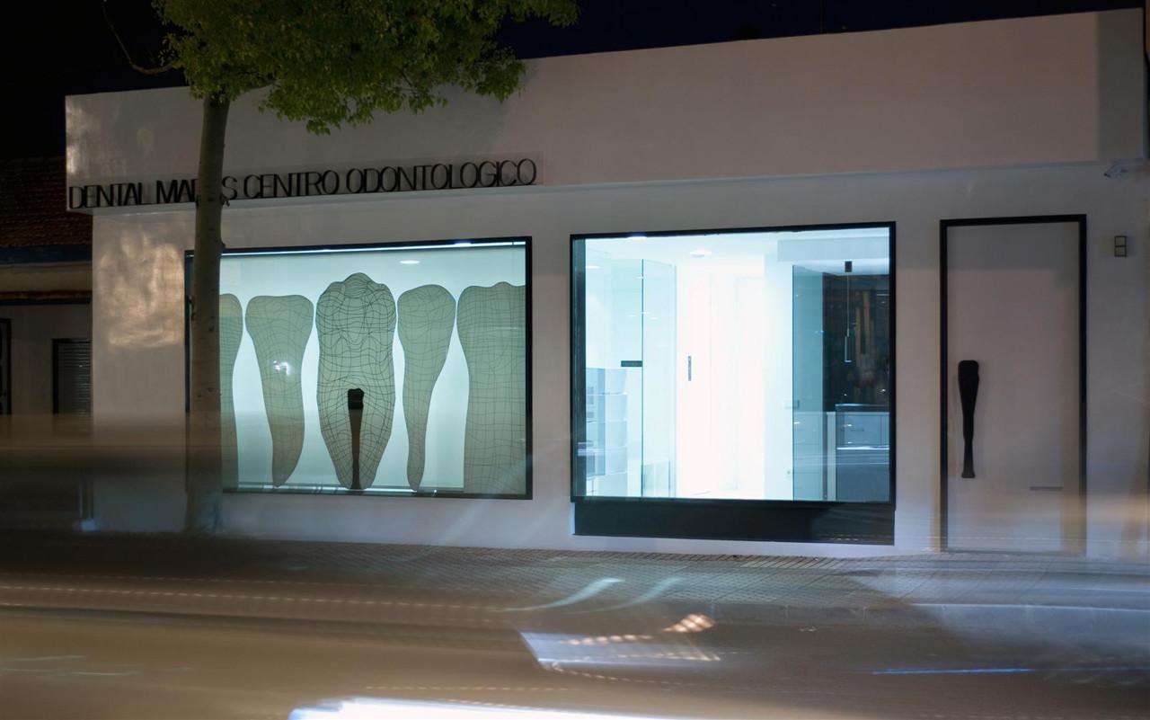 Centro Odontológico Mares / YTRASD | Plataforma Arquitectura
