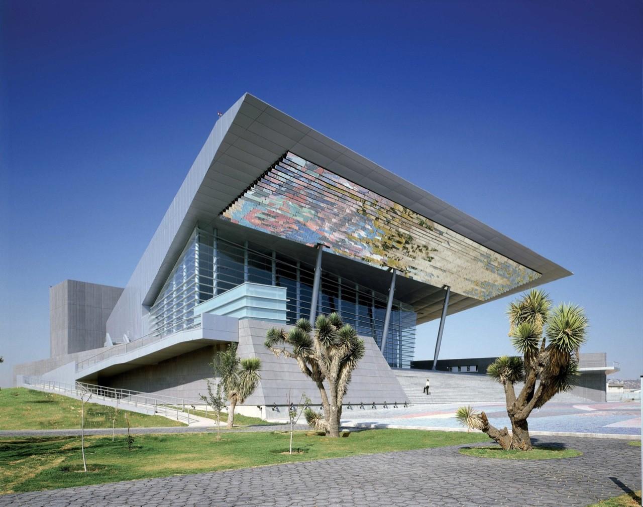Gota de Plata Auditorium Theatre / Migdal Arquitectos