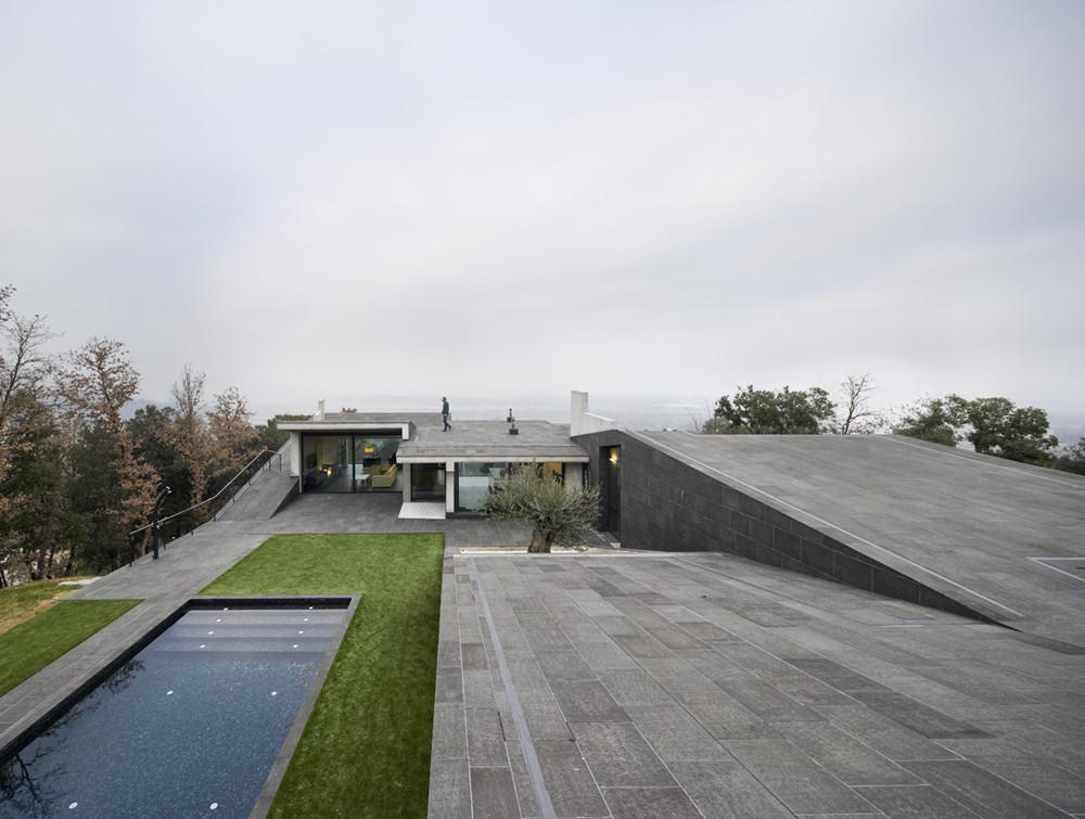 Casa Unifamiliar en Bescano / Josep Ferrando Bramona
