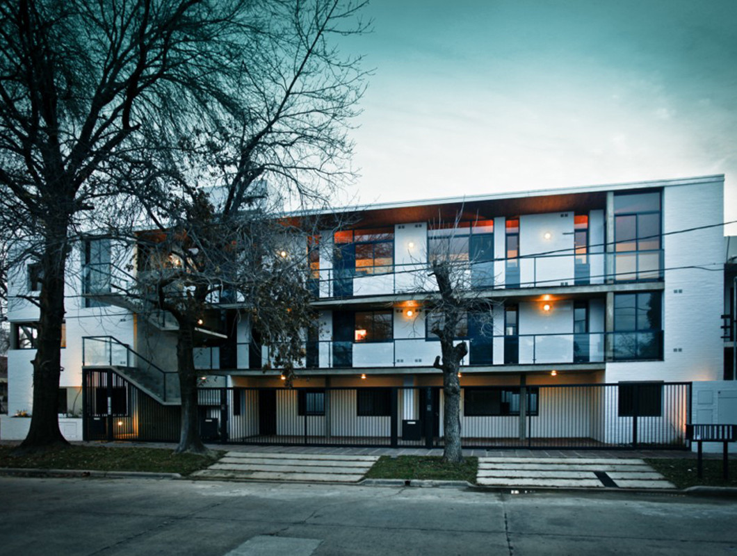 Edificio en calle Defensa / BIAGIONI PECORARI Arquitectos, © Federico Cairoli