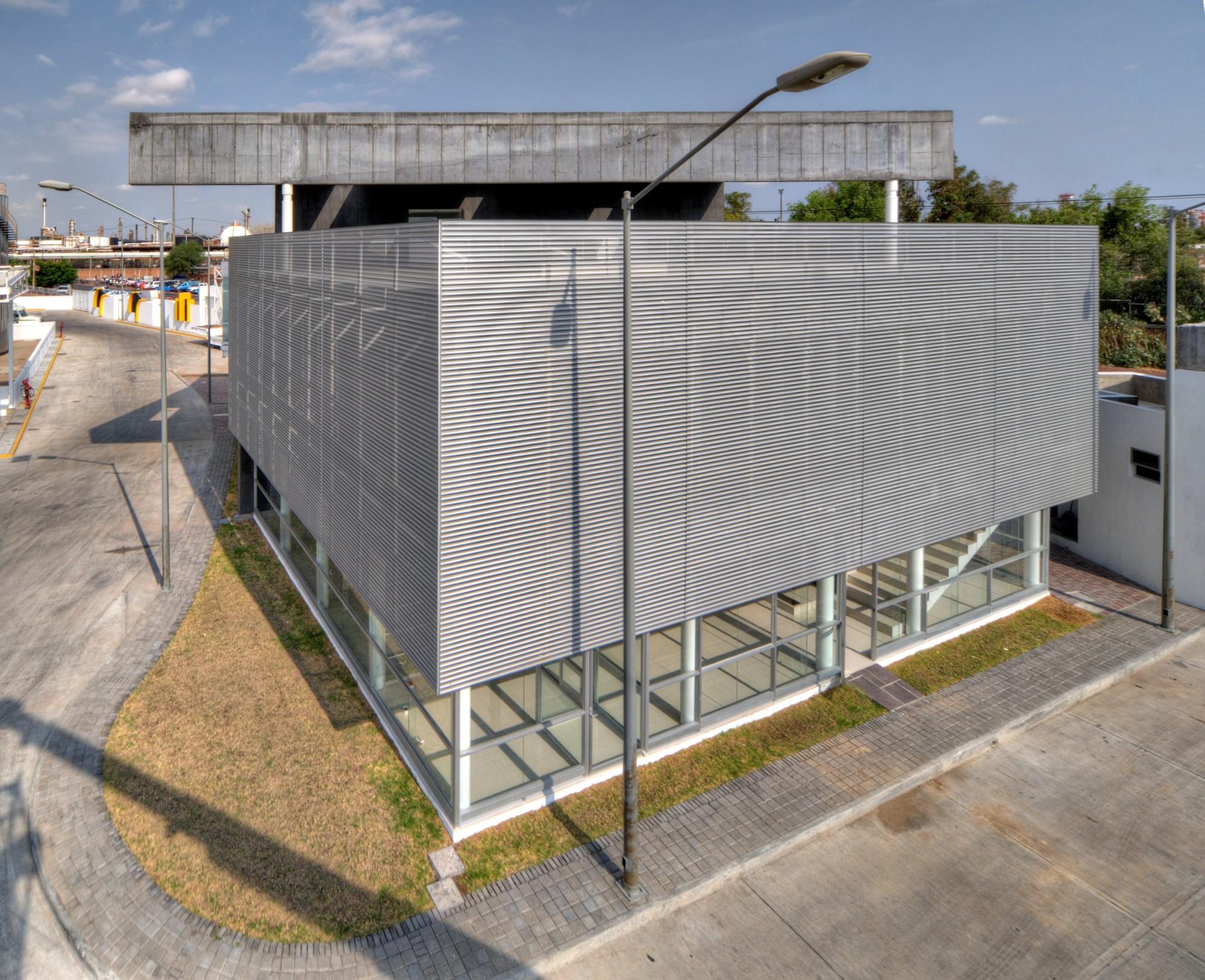 Global Marketing Corp. Headquarters / D4 Arquitectos