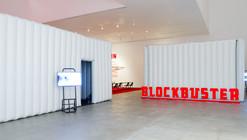 Blockbuster: Cine itinerante para exhibiciones / Work!