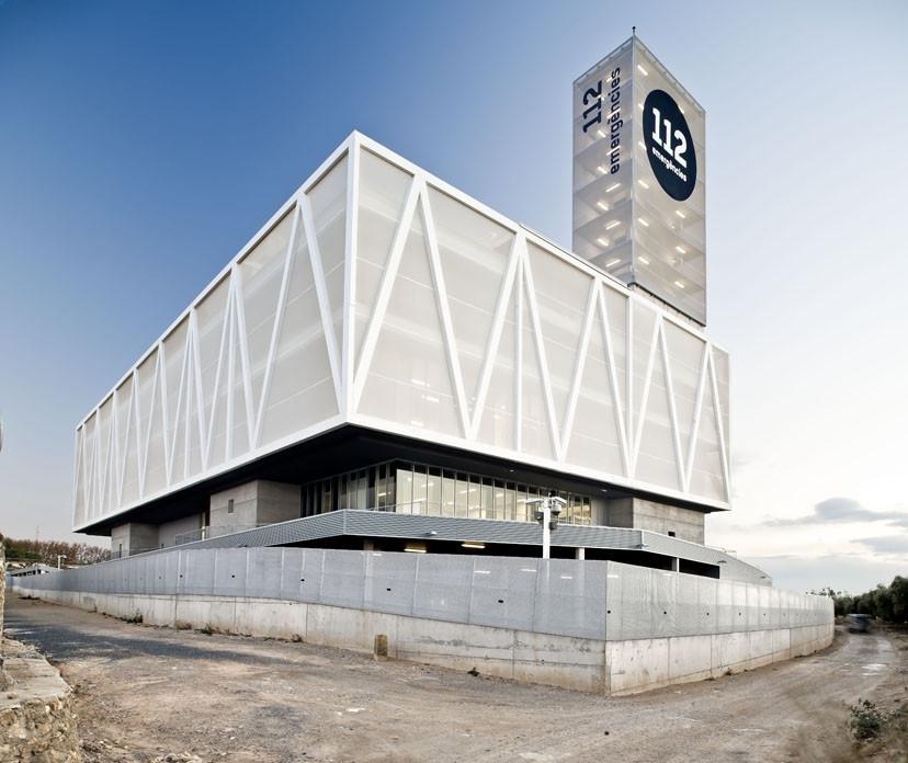 Edificio 112 / ACXT Arquitectos, © Adrià Goula