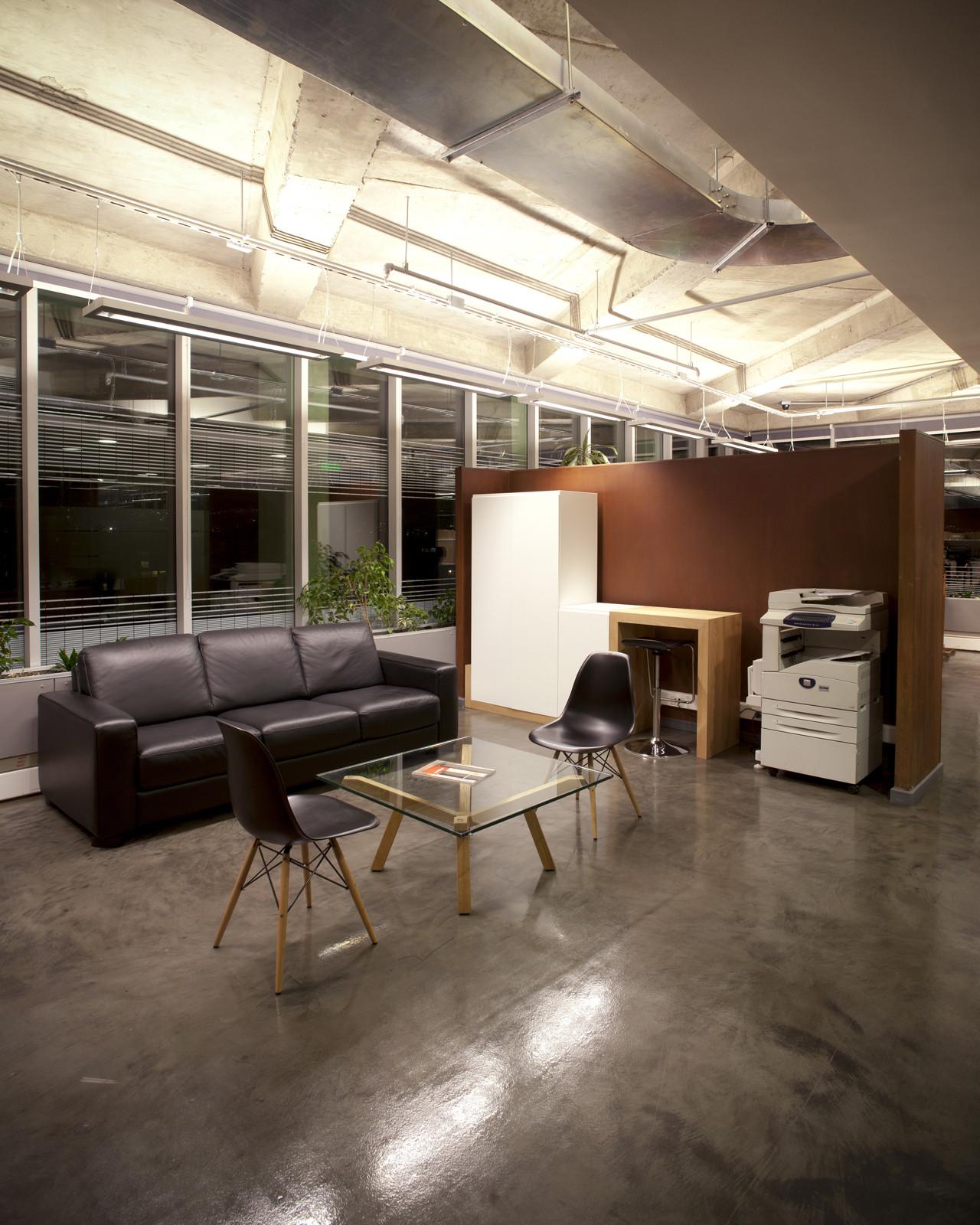 Oficinas hilti chile chauriye st ger arquitectos for Oficina de empleo caceres