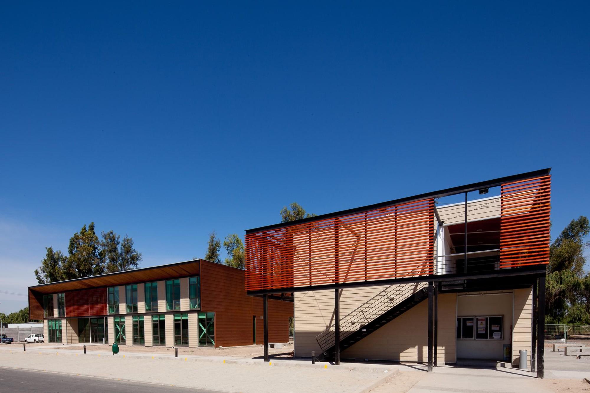 Planta Industrial Revesol / Vicente Justiniano Arquitectos