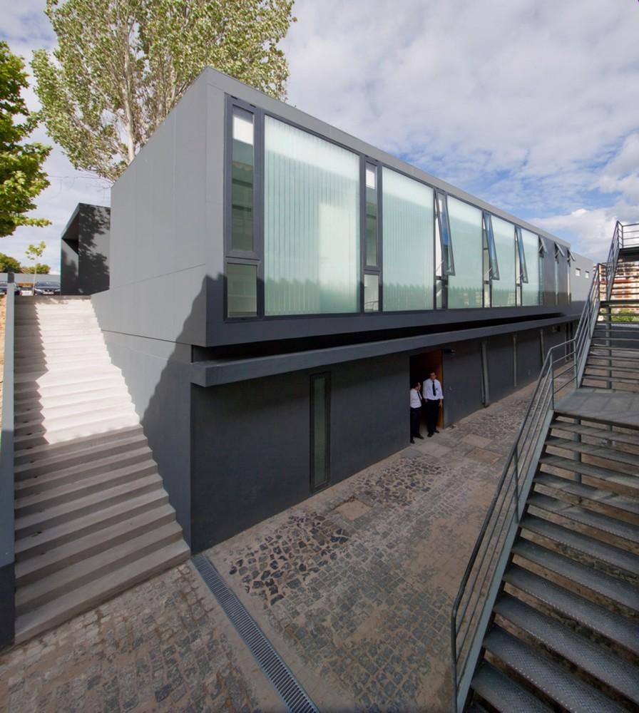 Cl nica veterinaria ulht posto 9 plataforma arquitectura - Proyecto clinica veterinaria ...