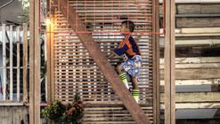 Linterna para la Comunidad Klong Toey / TYIN tegnestue