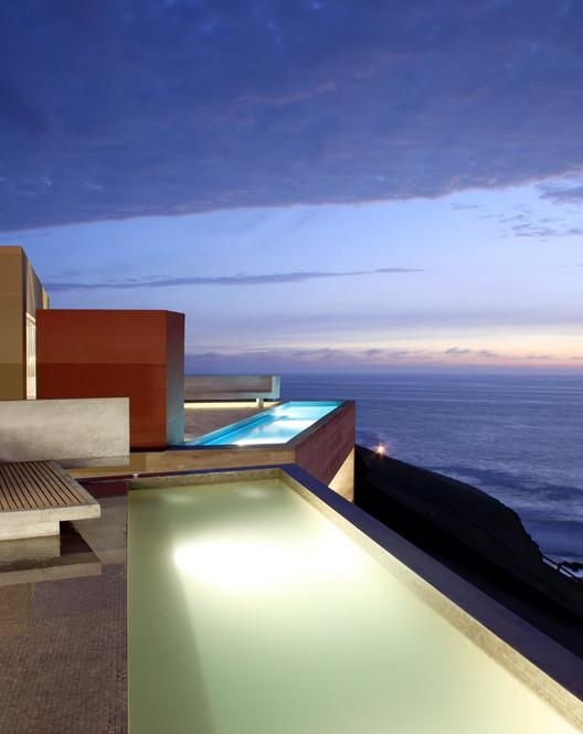 Conjunto Casas Vedoble / BARCLAY&CROUSSE Architecture, © JP Crousse