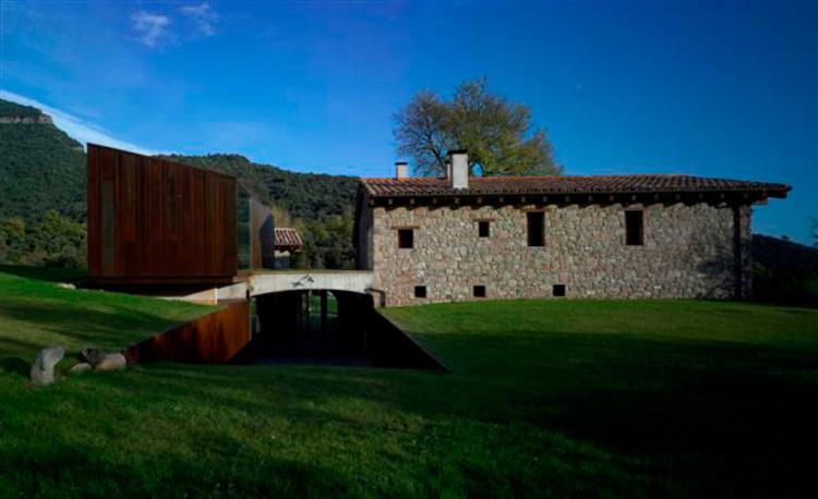Nueva cabaña y accesos de Masia / Hidalgo Hartmann, Cortesía de Hidalgo Hartmann