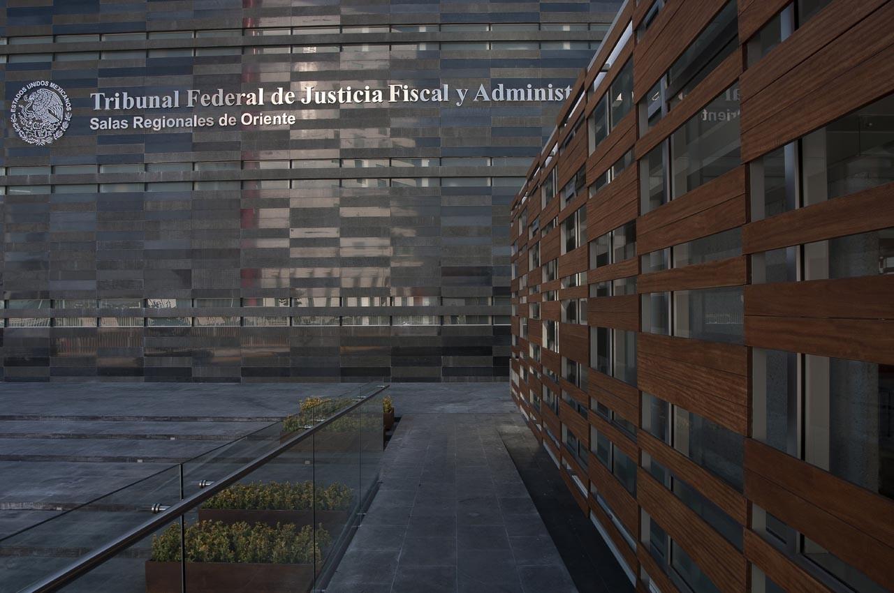 Salas Regionales de Oriente del Tribunal Federal de Justicia Fiscal y Administrativa / Mauricio García Cué, © Luis Gordoa Hernández, Rubén Esparza Calderón, Argimiro Hernández