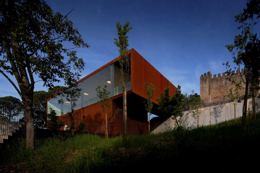 Reorganización del Castillo del Cerro Pombal / COMOCO, © FG+SG – Fernando Guerra, Sergio Guerra