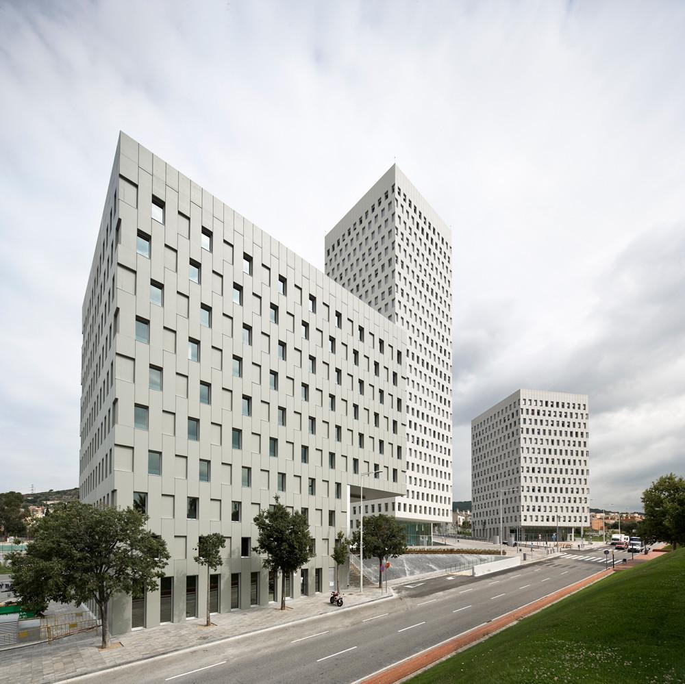 Complejo La Pallaresa / Eduardo Souto de Moura + Terradas Arquitectos, © Pedro Pegenaute