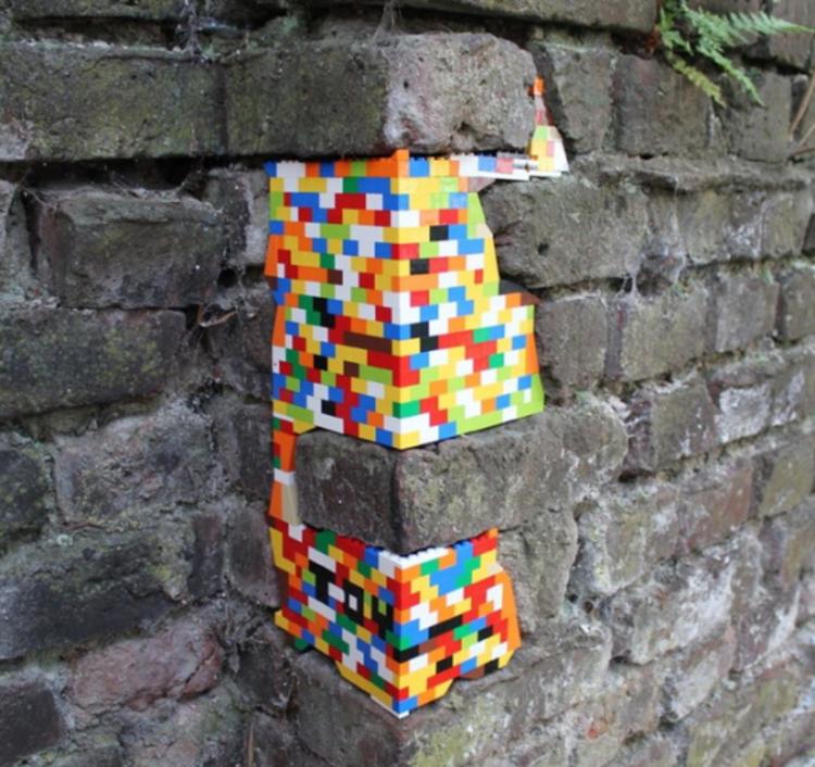 Jan Vormann restaurou edifícios em 29 cidades com LEGOS , Colônia, Alemanha