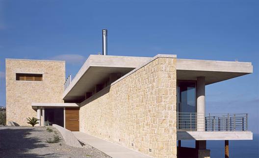 Casa de Vacaciones / LM Architects, © Erieta Attali