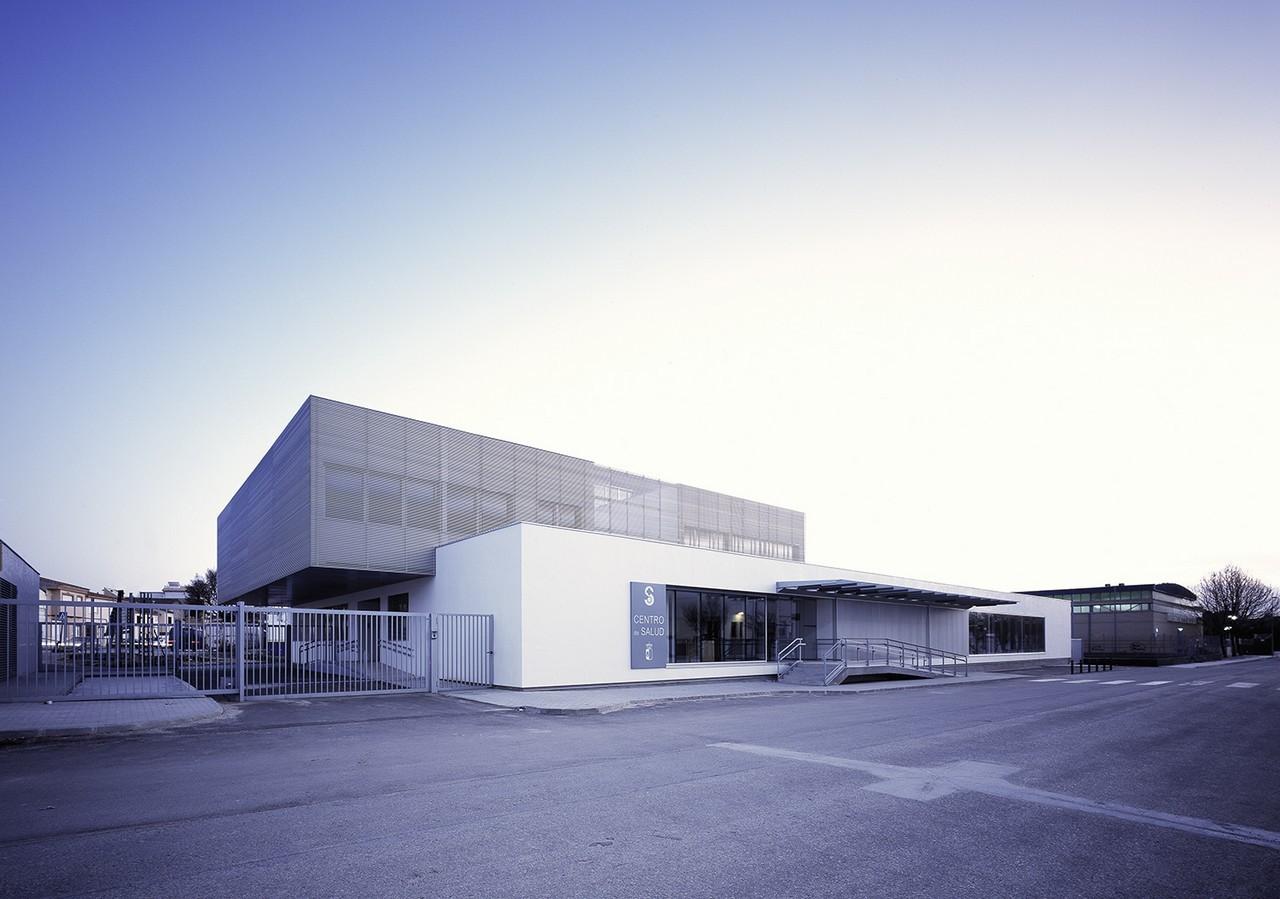 Centro de Salud de Quintanar del Rey / MBVB ARQUITECTOS, © Emilio Fernández