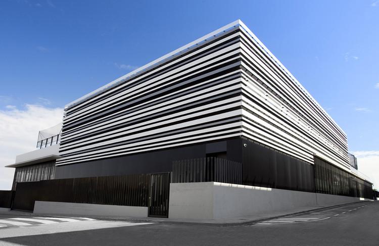 "Centro acuático deportivo ""L´ARGILA"" / AC-ARCHITECTURE, Cortesía de AC-ARCHITECTURE"