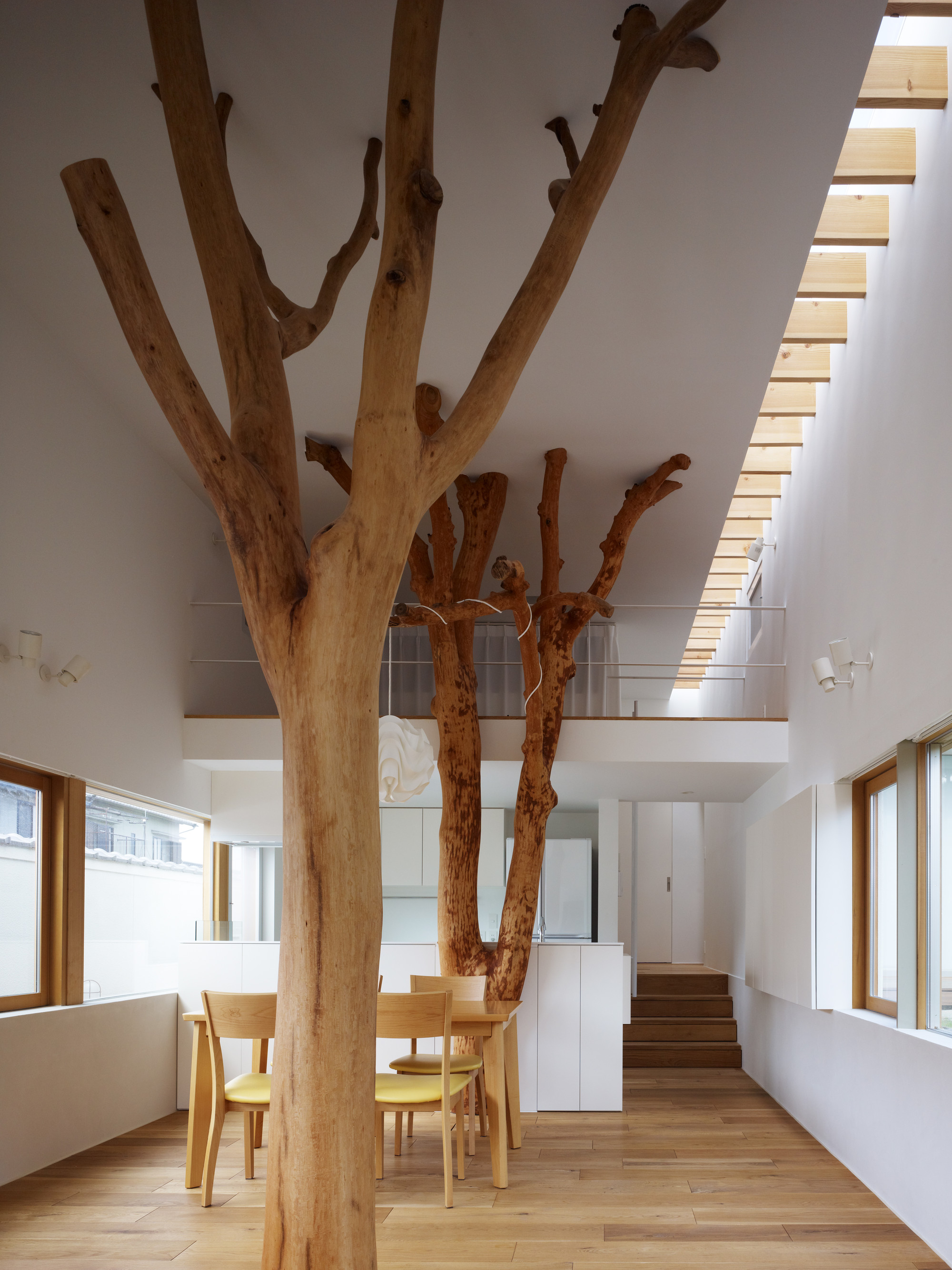 Gallery of Garden Tree House / Hironaka Ogawa & Associates - 1