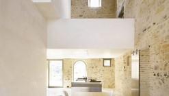 Renovación de una casa en Treia / Wespi de Meuron