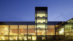 Mutual de Seguridad Hospital and Bicentenario Clinic  / Mobil Arquitectos