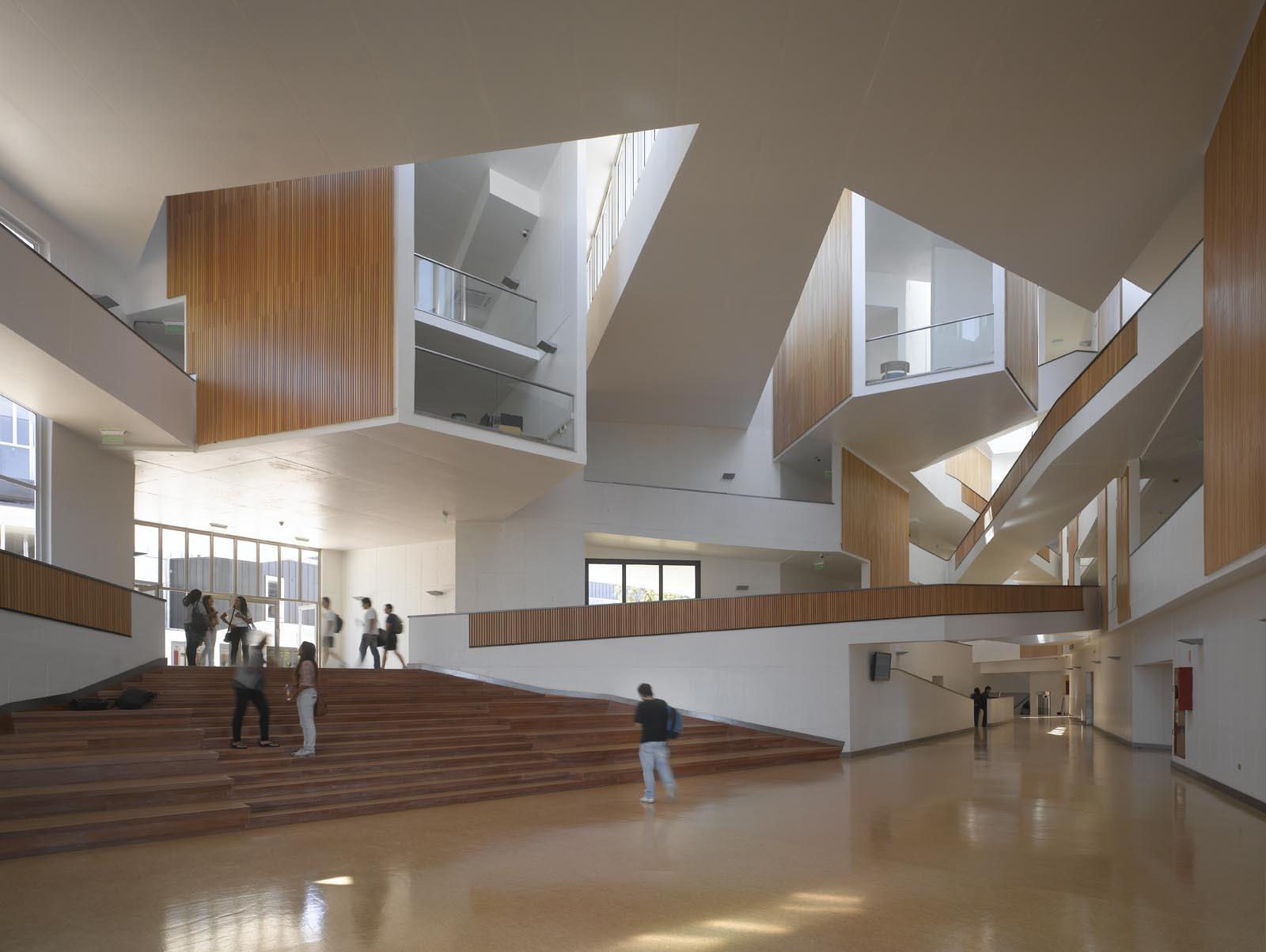 Galer a de arquitectura del campus universidad adolfo - Que es un porche en arquitectura ...