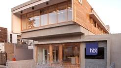 Edificio hbt / Teodoro Fernández Arquitectos