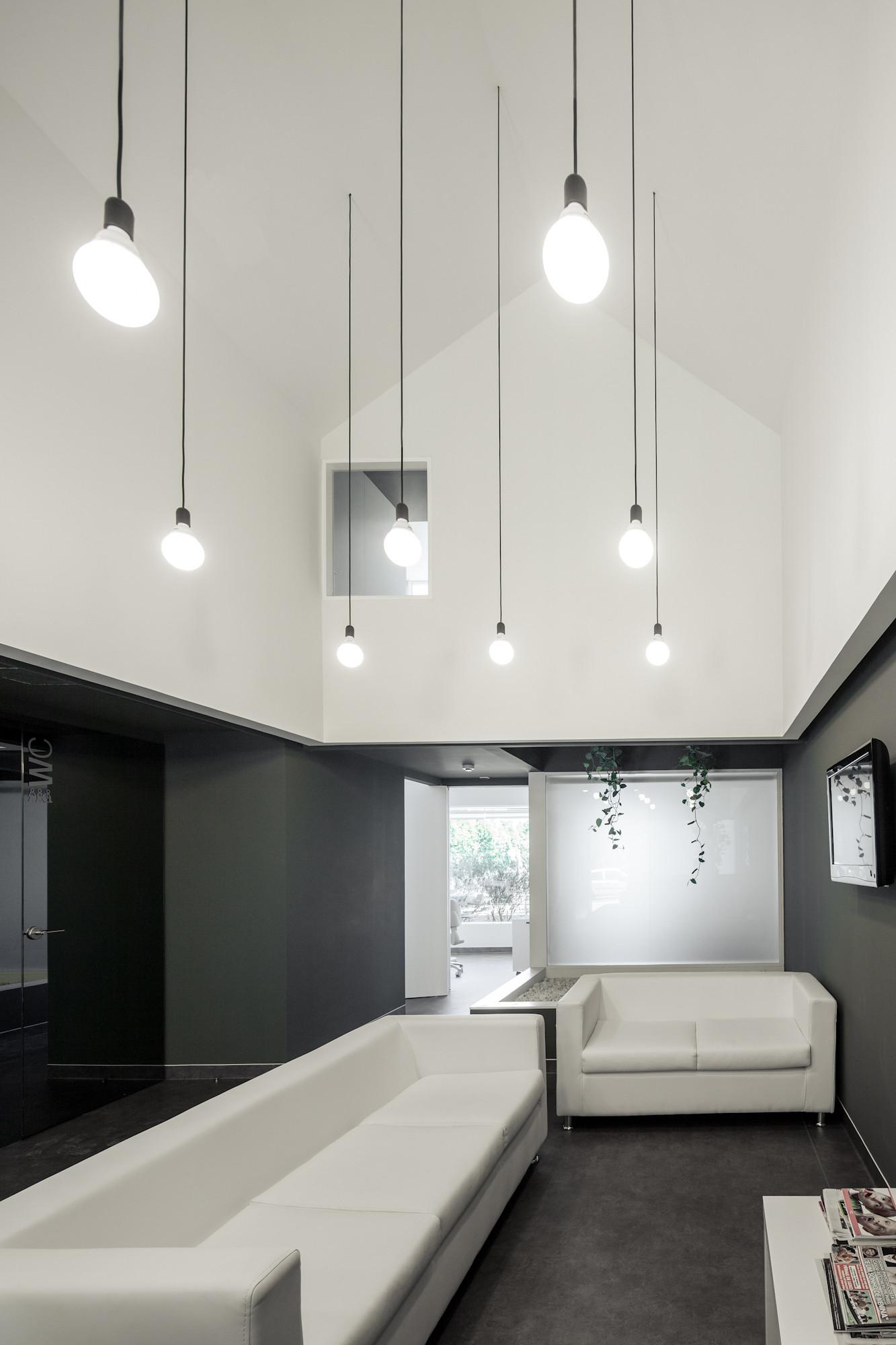 Gallery Of Dental Clinic In Oporto / Paulo Merlini