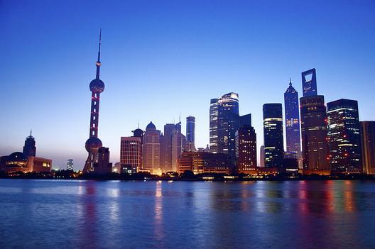 Shanghai Skyline. Image Flickr User CC Gaëtan Bruneteau