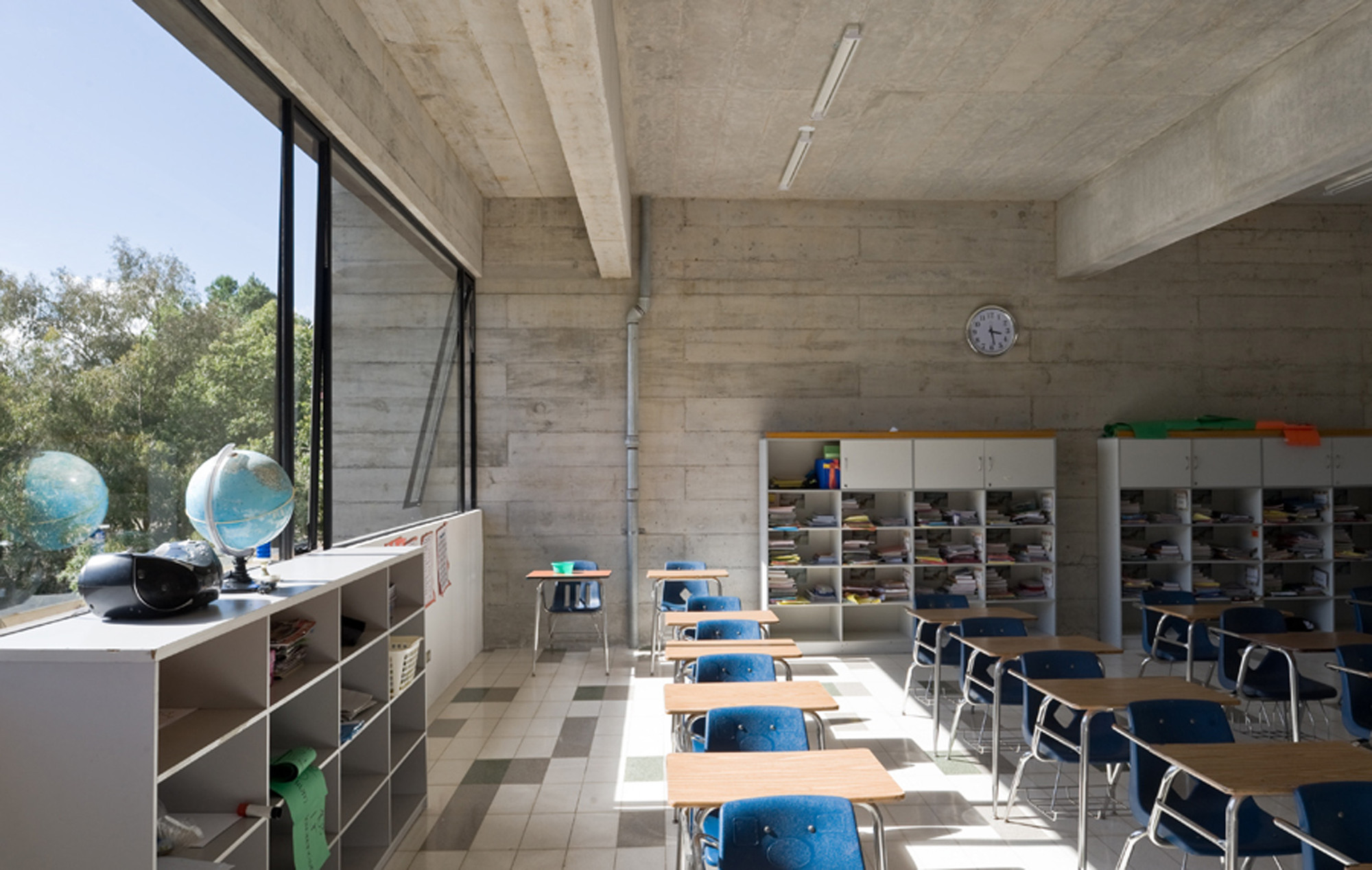 Metropolitan school extension paz arquitectura archdaily for Aulas web arquitectura