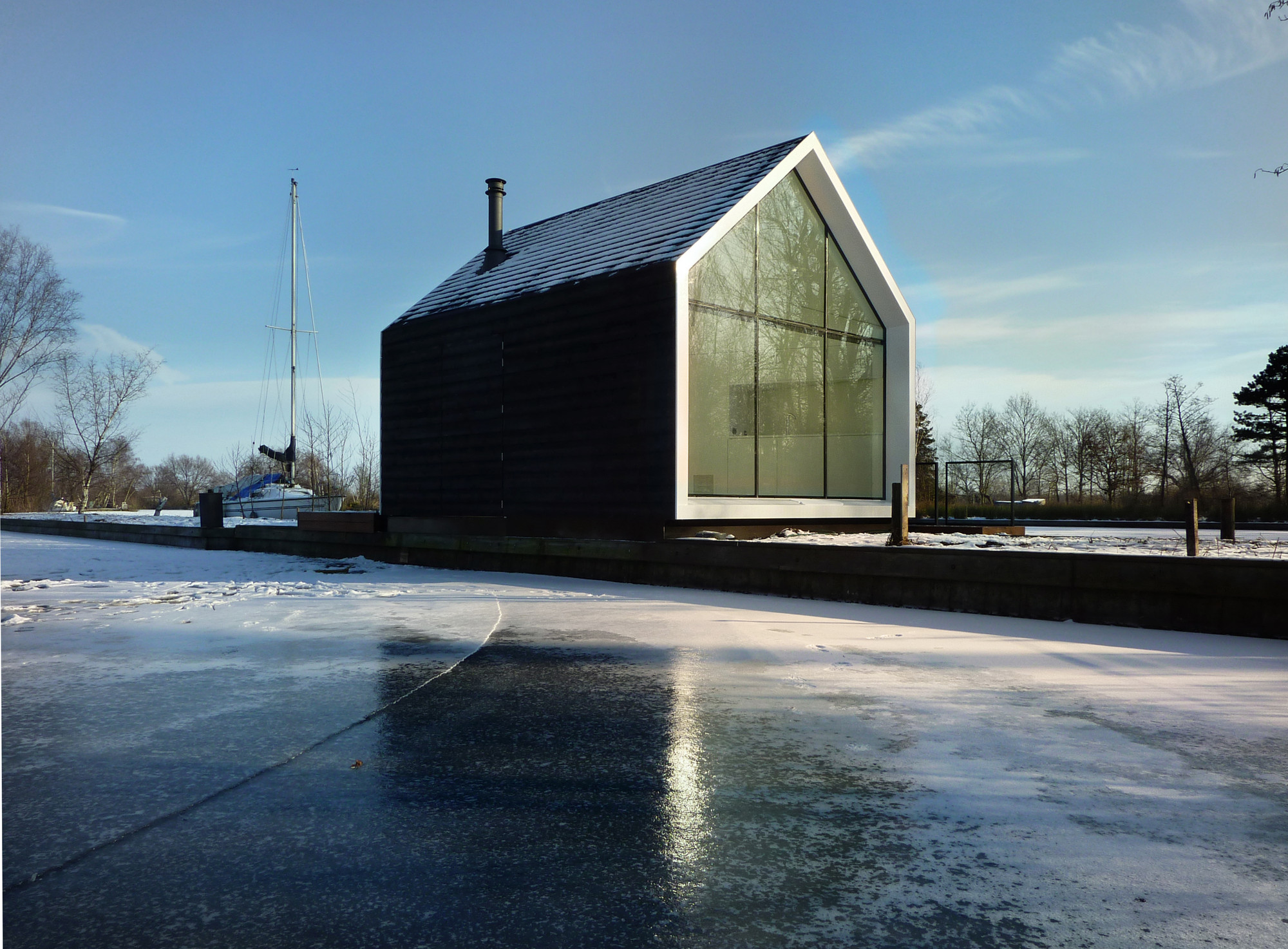 Island House / 2by4-architects | ArchDaily