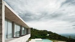 Casa Widescreen / R Zero Studio