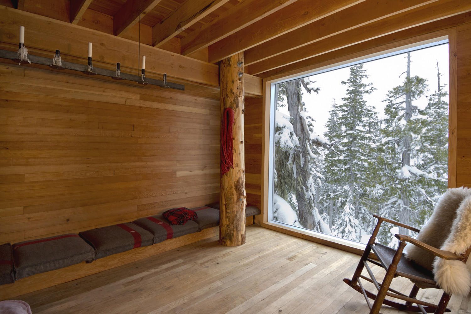 Gallery of Alpine Cabin / Scott & Scott Architects - 5