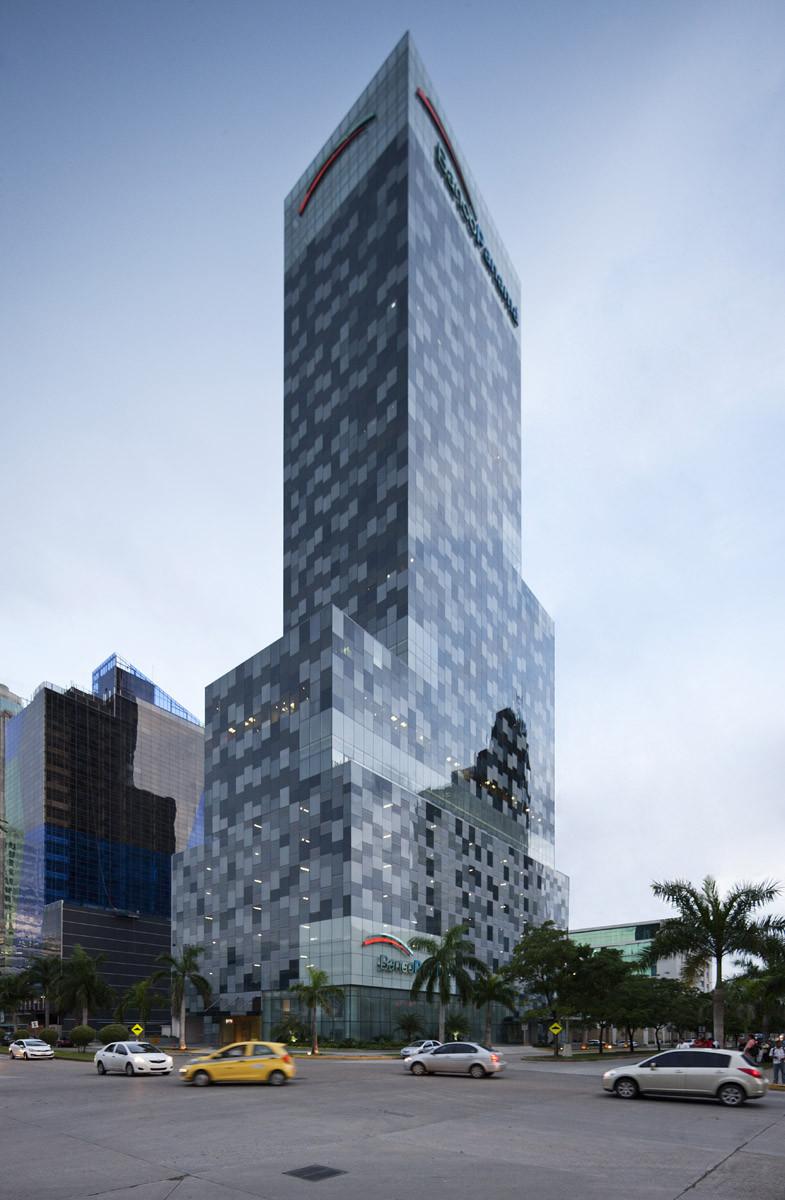 Banco Exterior: Panamá Bank Tower / Herreros Arquitectos