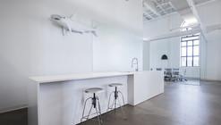 BLUE Communication Office / Jean Guy Chabauty + Anne Sophie Goneau