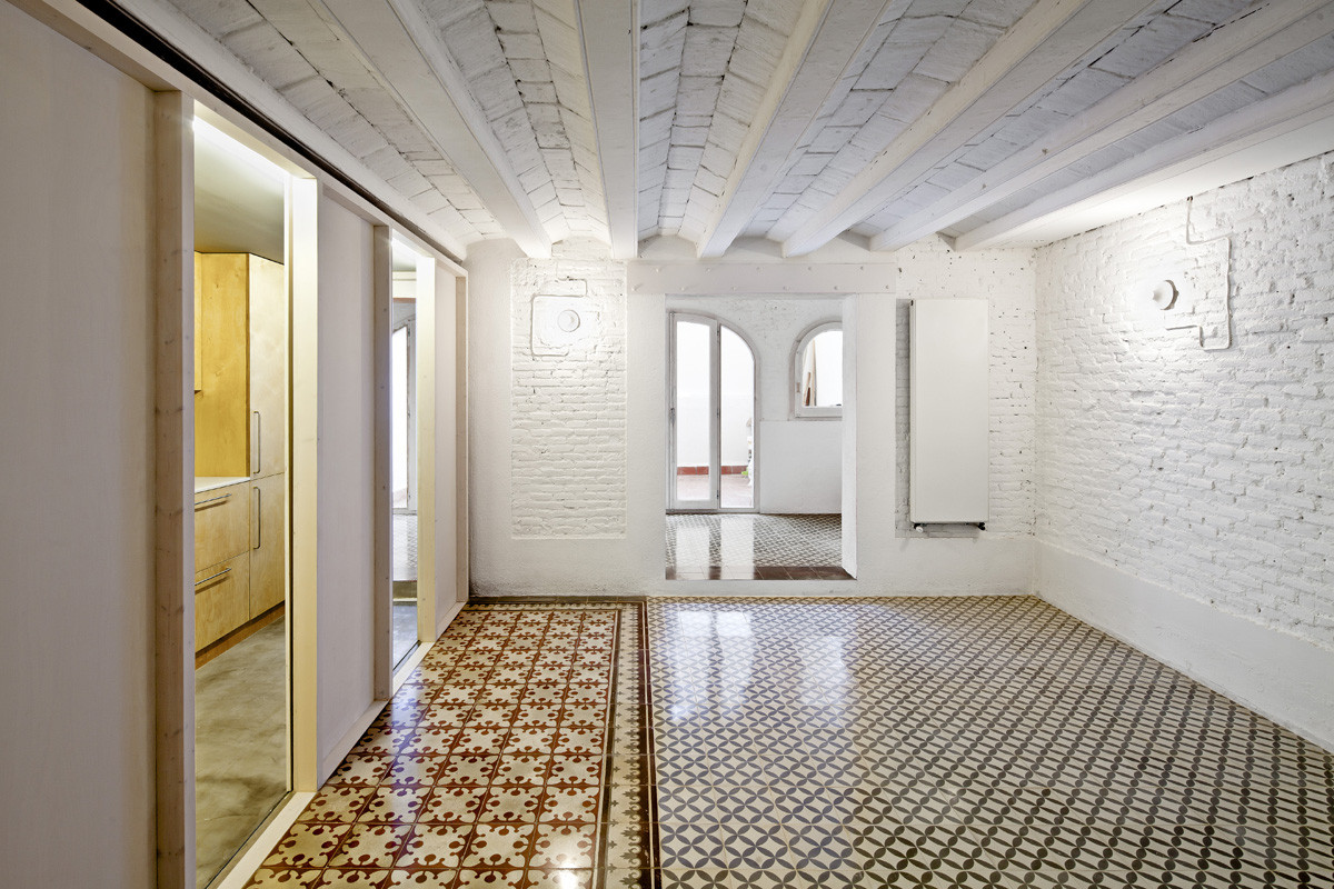 Reforma departamento en Barcelona / Vora arquitectura, © Adrià Goula