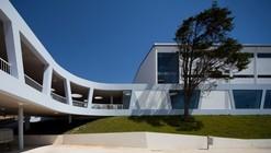 Escuela Secundaria Rafael Bordalo Pinheiro / Sousa Santos Architects