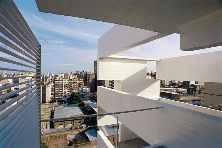 Altamira Building / Rafael Iglesia, © Gustavo Frittegotto