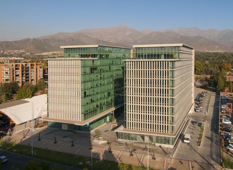 Plaza San Damian / Alemparte Morelli y Asociados Arquitectos + Oltmann + Ahlers Arquitecto Asociado, Cortesía de Alemparte Morelli
