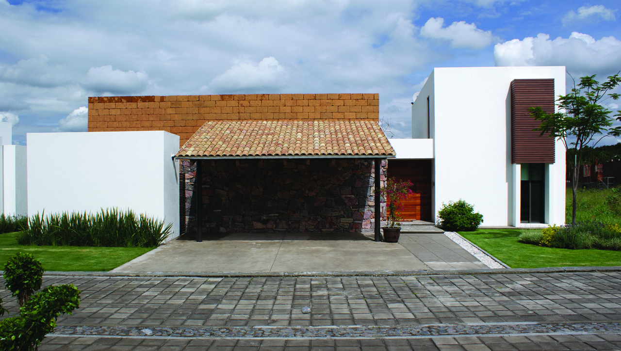 Casa Fresno / Dionne Arquitectos