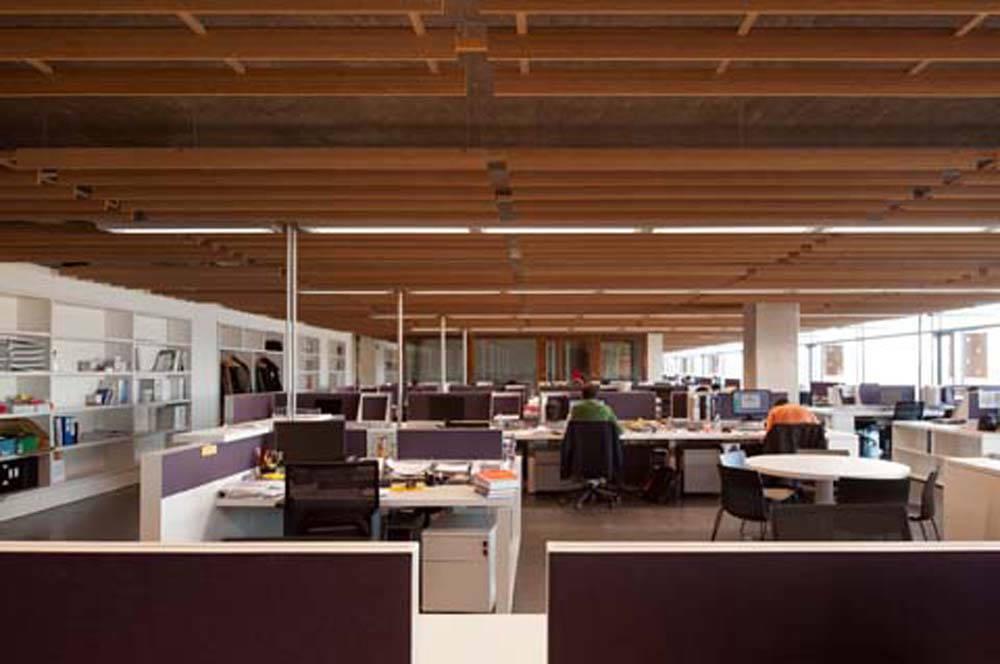 Galer a de oficinas idom de madrid acxt arquitectos 22 for Oficinas cajasur madrid