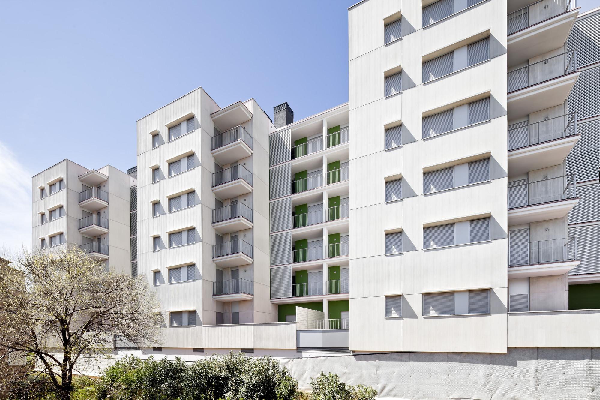 Viviendas en Trinitat / Ravetllat Ribas Arquitectos